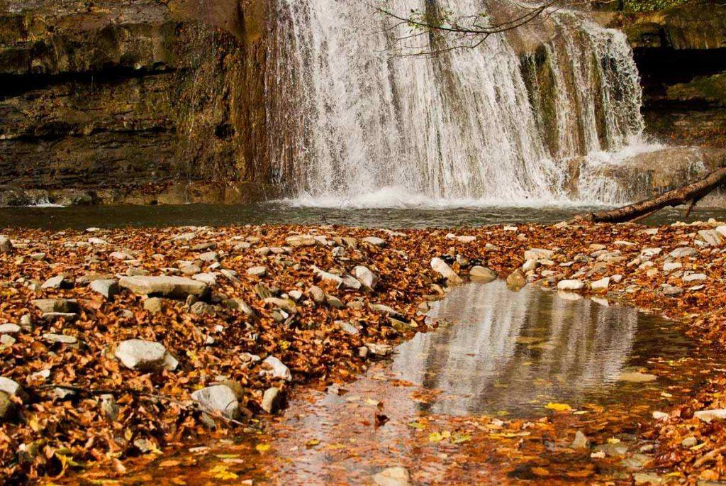 Cascata Acquacheta - riflesso della cascata