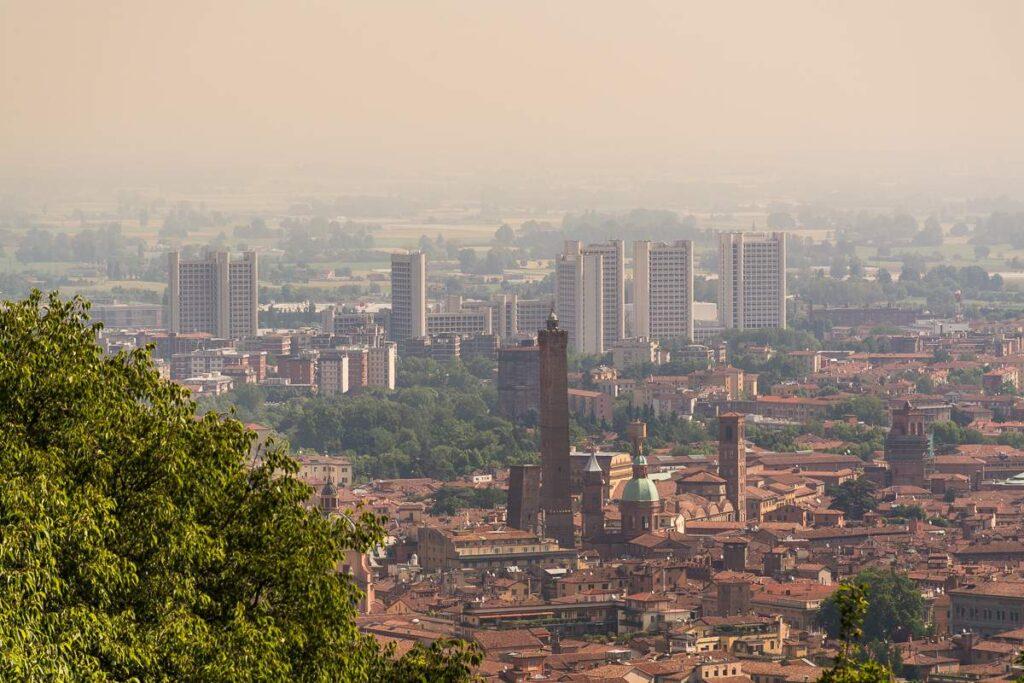 Colli bolognesi: veduta di Bologna